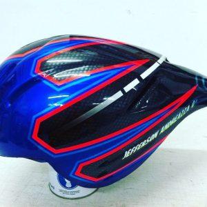 Pintura e personalização de capacete de Bike
